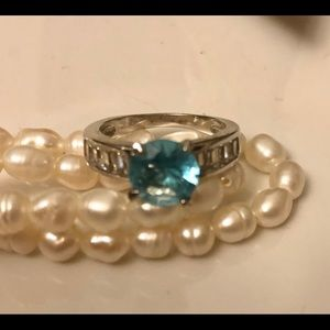 Jewelry - Turquoise stone faux silver ring size 6.
